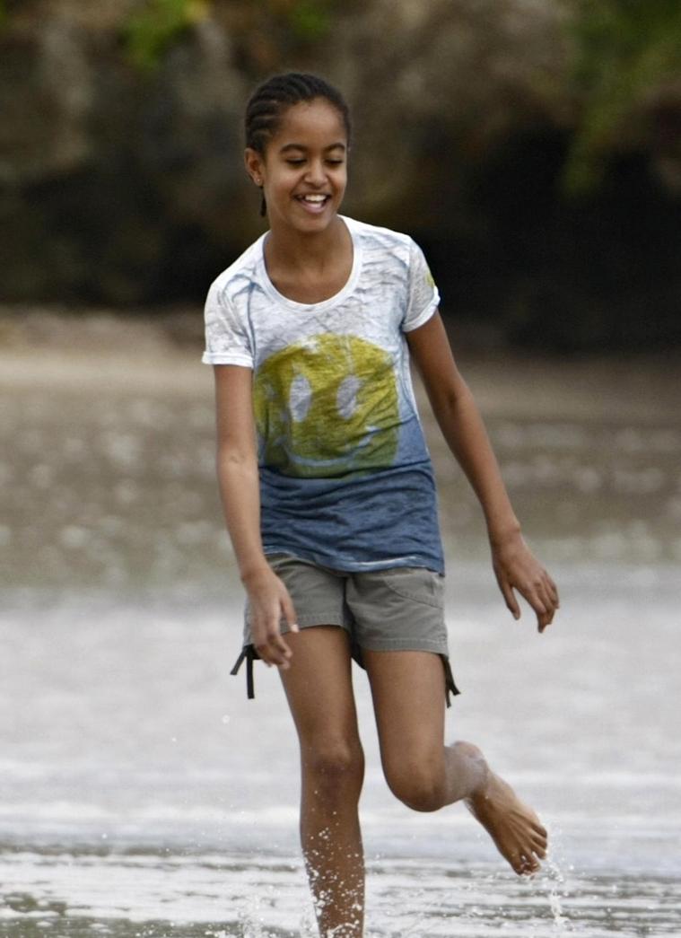 Barack Obama And Family In Hawaii Pics Of Malia And Sasha