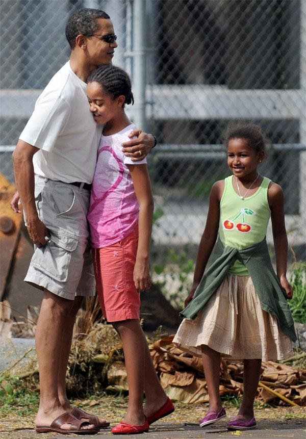 THE OBAMAS GO TO THE ZOO