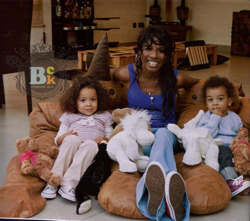 sinitta u0026 39 s festive holiday with kids and simon cowell
