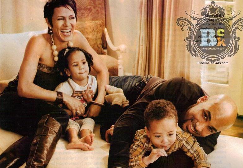 sophieandfamily2009spread
