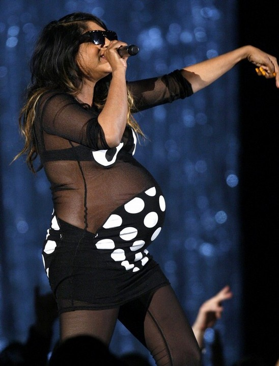 Mia Pregnant Performance 70