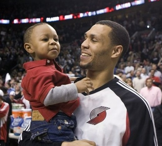 BRANDON ROY AND HIS CUTIE PATOOTIE