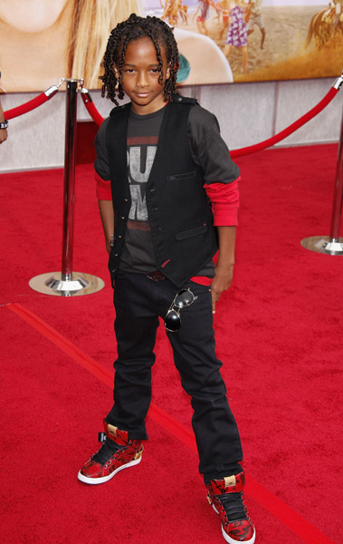 WILLOW AND JADEN SMITH AT HANNAH MONTANA MOVIE PREMIERE