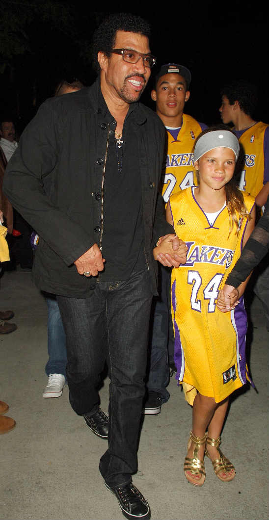 fp_3069519_lakers_celebrities_fre_0527091