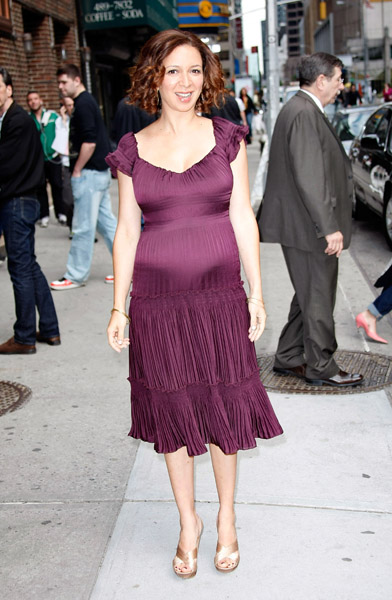 A PREGNANT MAYA RUDOLPH AT THE LETTERMAN SHOW