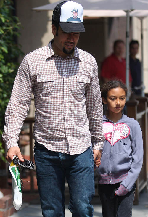 BEN HARPER AND DAUGHTER TAKE A STROLL