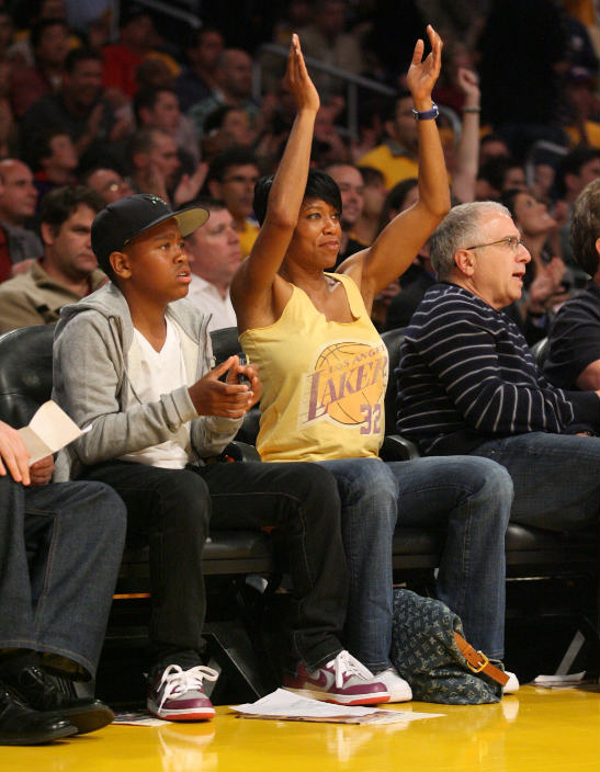 Regina King And Son Take In A Lakers Game