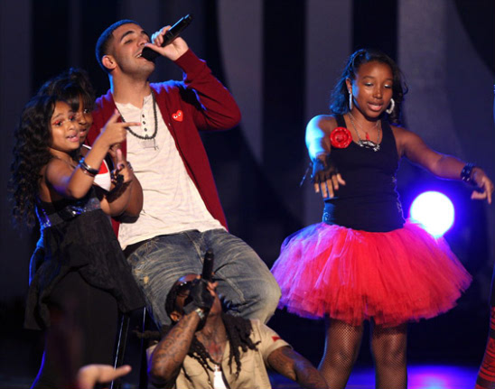 THE OMG GIRLS MAKE THEIR DEBUT AT THE 2009 BET AWARDS SHOW ...