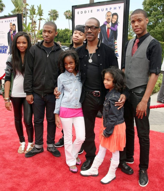 "EDDIE MURPHY AND FAMILY ATTEND ""IMAGINE THAT"" PREMIERE"