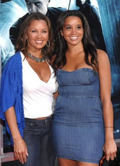 VANESSA WILLIAMS AND DAUGHTER ATTEND PREMIERE
