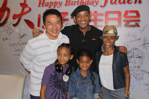 L to R:Jackie Chan, Will Smith, Jada, Willow(C) and Jaden
