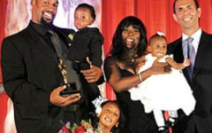 McNabb wins the 2009 Father of the Year Award presented by the Father's day council