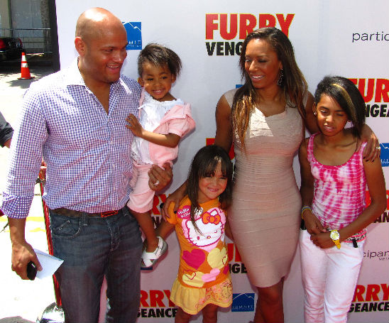 MELANIE BROWN AND FAMILY ATTEND A PREMIERE