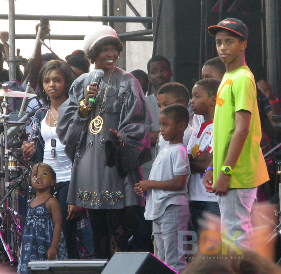 LAURYN HILL ROCKS THE BELLS WITH HER CHILDREN