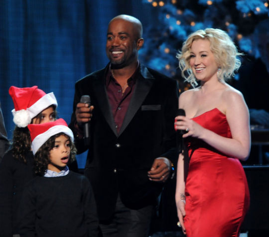 DARIUS RUCKER AND KIDS HAVE A QuotCOUNTRY CHRISTMASquot