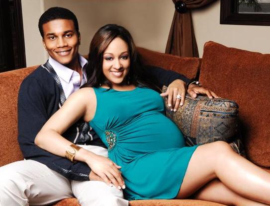 Tia Mowry Pregnant Pics