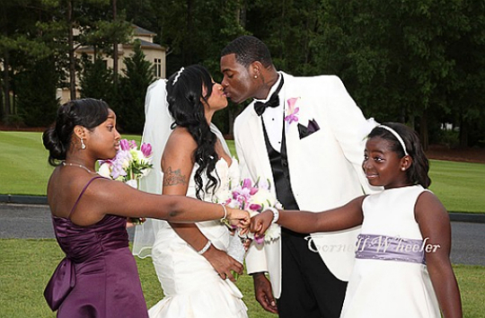 Newlyweds Antonia Toya And Mickey Memphitz Wright Pose In A Family Photo With Their Daughters Reginae Carter L Mikkya R