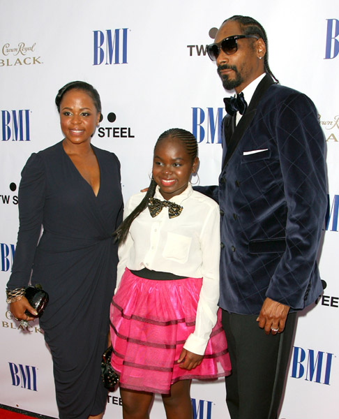 DAD SNOOP DOGG HONORED AT BMI EVENT