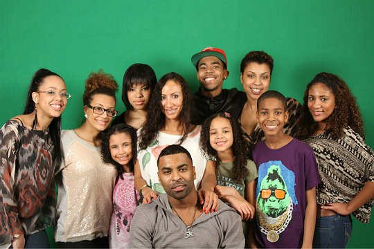 GINUWINE SHARES MORE PHOTOS OF HIS NINE KIDS