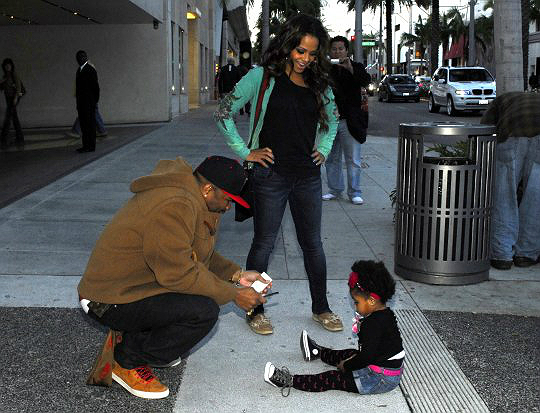 christina milian the dream and daughter enjoy family day out