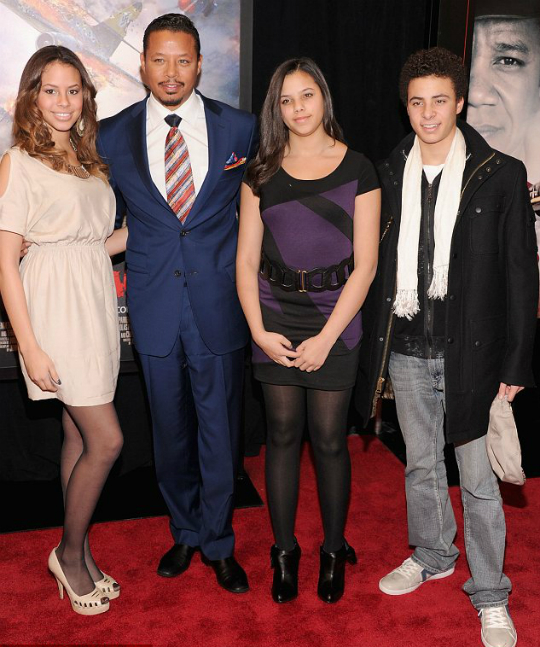terrence howard and kids attend 39 red tails 39 premiere. Black Bedroom Furniture Sets. Home Design Ideas