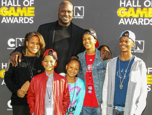 SHAQUILLE O'NEAL AND KIDS: CARTOON NETWORK HALL OF FAME AWARDS