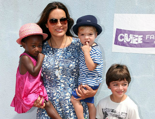 Mariska Hargitay And Kids Have A Family Fair Fun Day
