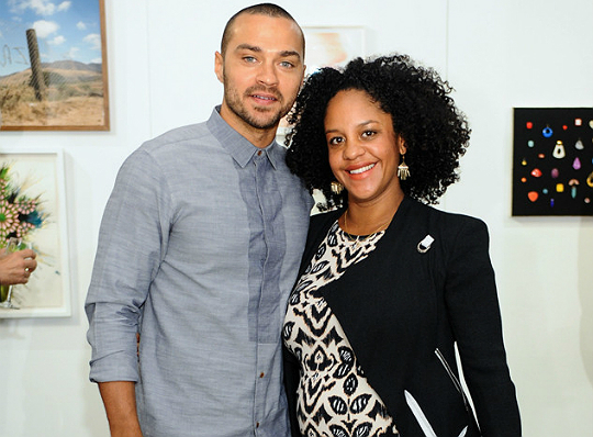 JESSE WILLIAMS' WIFE SHOWS OFF HER BURGEONING BUMP