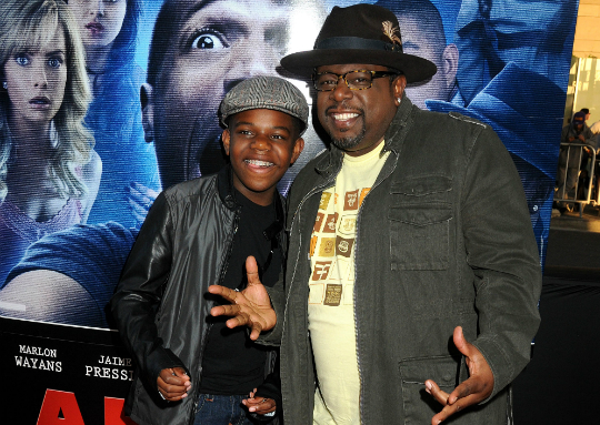 6b774d07d94c5 CEDRIC THE ENTERTAINER AND SON ATTEND PREMIERE OF  A HAUNTED HOUSE 2 .  Sarie by Sarie · Apr 17