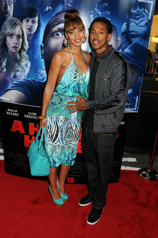 037ed986b031b CEDRIC THE ENTERTAINER AND SON ATTEND PREMIERE OF  A HAUNTED HOUSE 2