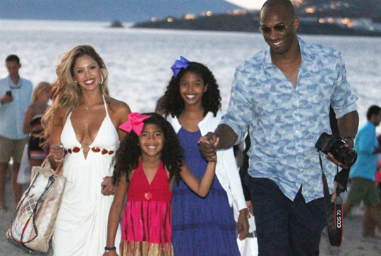 KOBE BRYANT AND THE FAMILY VISIT GREECE