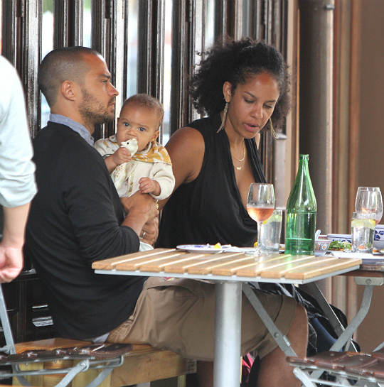 JESSE WILLIAMS' BABY GIRL MAKES HER DEBUT!