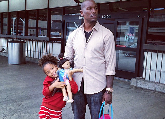 TYRESE AND SHAYLA SHARE AN AIRPORT CANDID