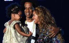 The time Blue supported her mom onstage during the 2014 VMAs.