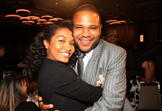 YARA SHAHIDI SUPPORTS HER TV DAD AT NAN AWARD CEREMONY
