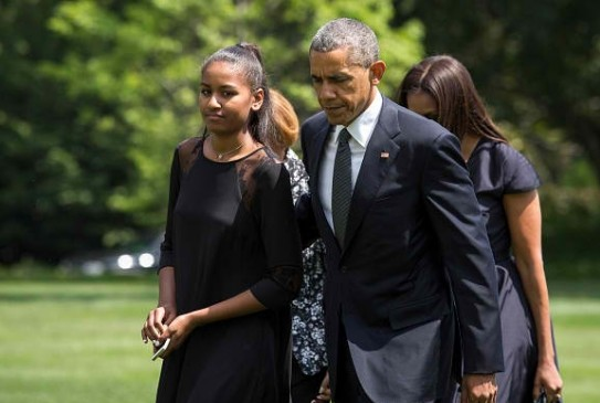 THE OBAMAS PAY THEIR RESPECTS TO THE BIDEN FAMILY