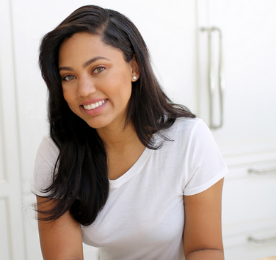 Ayesha Curry Is A Mom Maxximizer-4285