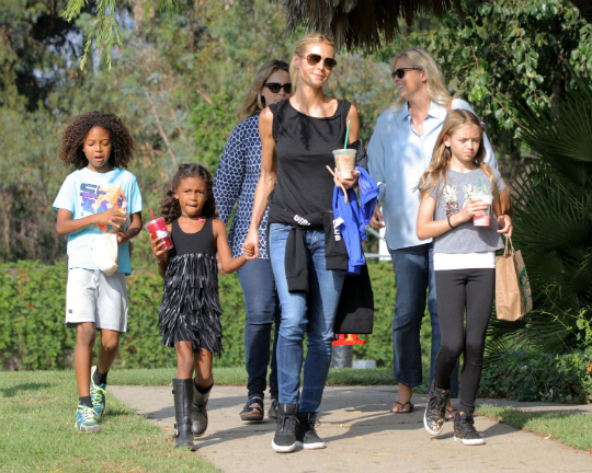 heidi klum and kids spend the weekend at the pumpkin patch. Black Bedroom Furniture Sets. Home Design Ideas