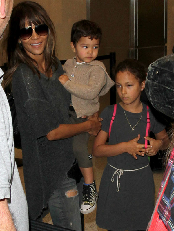 Gabriel Aubry continues to bond with Nahla taking her to ...