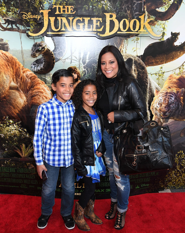 """ATLANTA, GEORGIA - APRIL 09:  Lisa Nicole Cloud (R) attends ""The Jungle Book"" advanced screening on April 9, 2016 at Regal Cinemas Atlantic Station in Atlanta, Georgia.  (Photo by Paras Griffin/Getty Images for Disney/The Jungle Book )"""