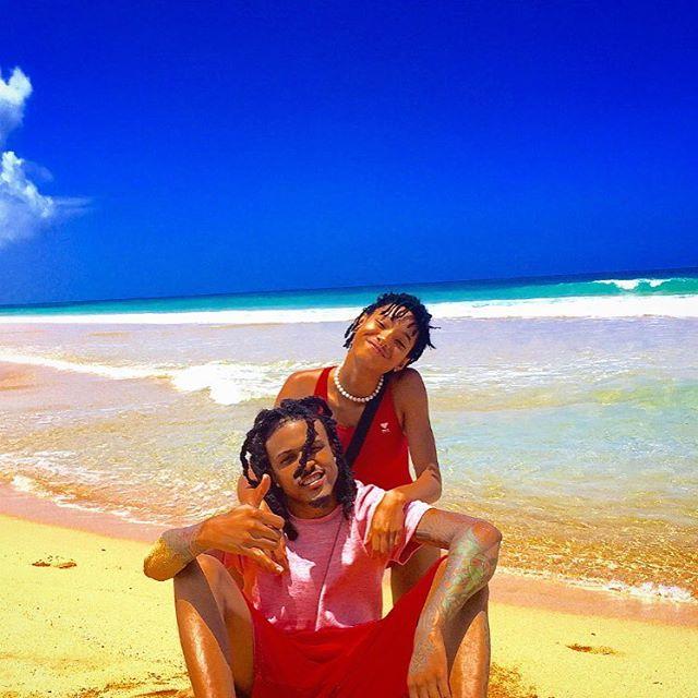 Willow Smith Enjoys Hawaiian Vacation