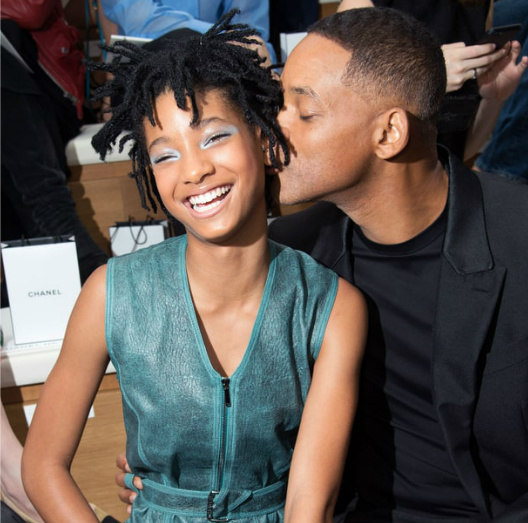 WILLOW AND WILL SMITH SHARE A MOMENT AT CHANEL COUTURE SHOW