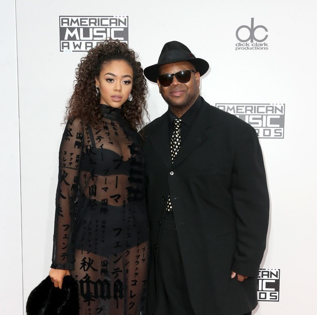BELLA HARRIS HITS THE AMA'S RED CARPET WITH DAD