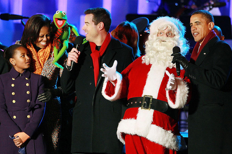 Santa and the Obamas rock it out at the 2011 Tree Lighting ceremony.