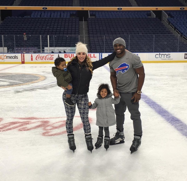 Reggie Bush and family enjoyed some ice skating fun on Christmas.