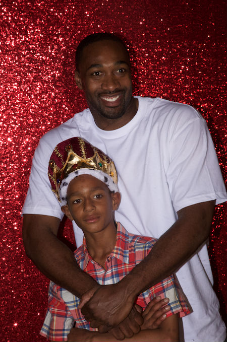Gilbert Arenas poses with his son Alijah.