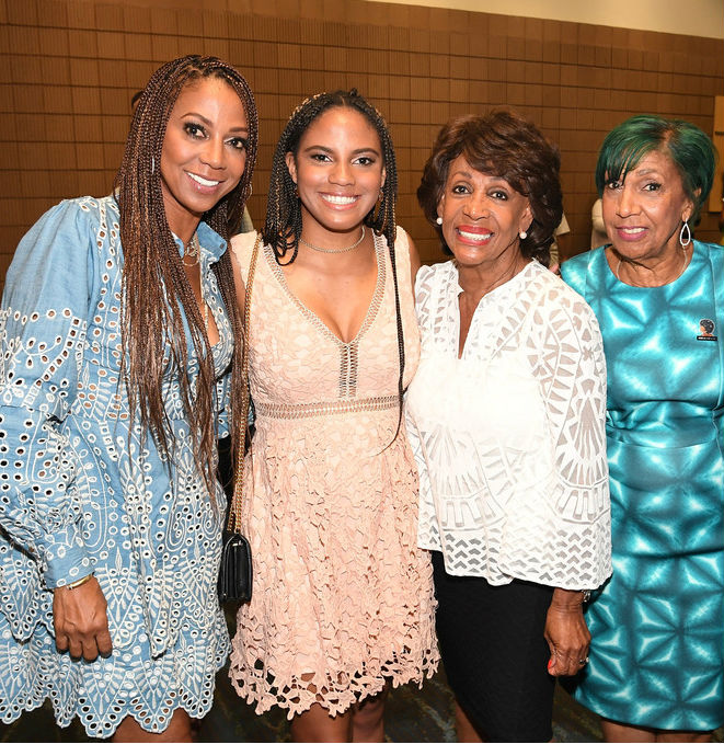 HOLLY ROBINSON PEETE IS JOINED BY DAUGHTER AND MOTHER AT ESSENCE FESTIVAL 2017