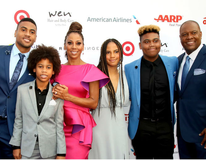 HOLLY ROBINSON PEETE AND THE FAMILY HOST 19TH ANNUAL DESIGN CARE CHARITY EVENT