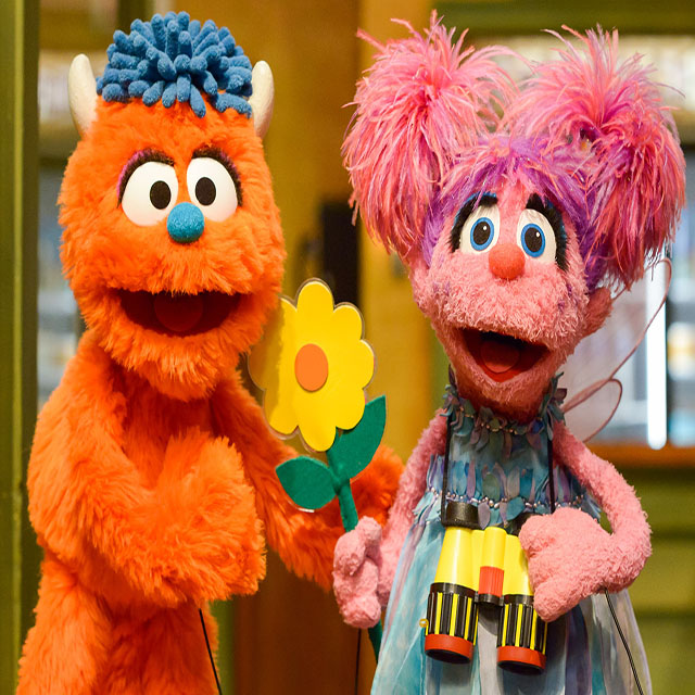 'SESAME STREET' TAKES ON THE TOPIC OF BLENDED FAMILIES WITH NEW RESIDENT