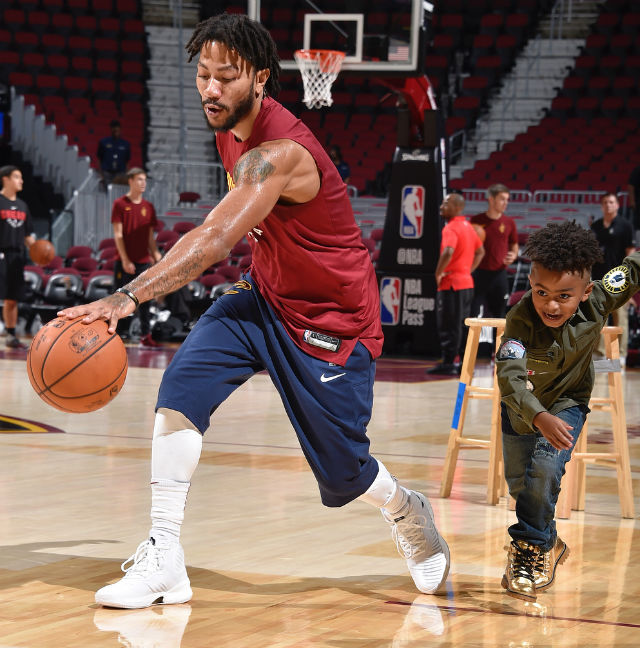 best website 93a64 97650 DERRICK ROSE SHOWS HIS SON A TRICK OR TWO ON THE COURT